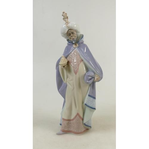 10 - Lladro figure titled 'King Baltasar': Lladro model 5481, height 32cm....