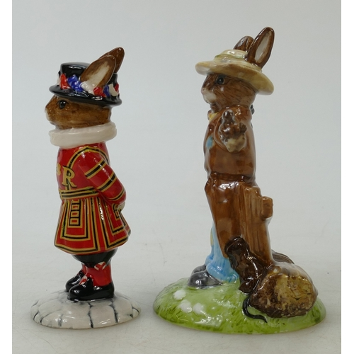 22 - Royal Doulton limited edition Bunnykins figure Scarecrow and Beefeater: Scarecrow DB359 boxed with c...
