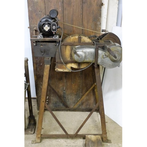 326 - Dry comb poultry plucking machine...