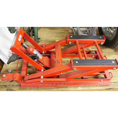 16 - Hydraulic motorcycle stand...