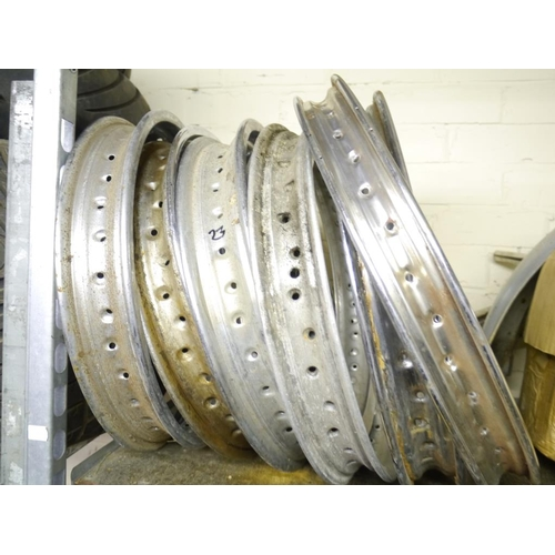 23 - Quantity of wheel rims...