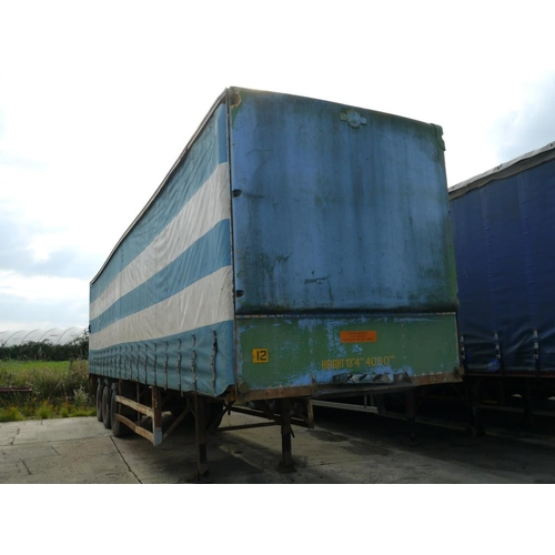 10 - Fromico tri axle trailer, curtainside, 40ft...