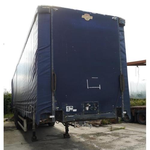 11 - Crane Freuhauf tri axle trailer, curtainside, 45ft...
