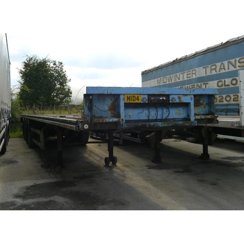 15 - York tri axle trailer, flat bed, 45ft, Test expiry June 2018....