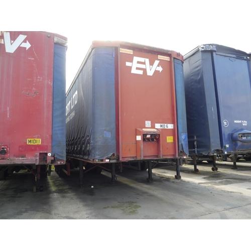 17 - Montrecon tri axle trailer, curtainside, 45ft. Air suspension. Test expiry November 2019. Mid 6...