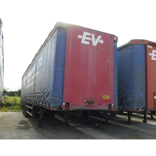 19 - Crane Freuhauf tri axle trailer, curtainside, 45ft, air suspension, test expiry January 2019....