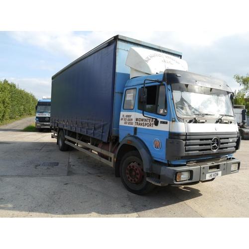 25 - Mercedes 1720c curtainside lorry, 18Ton, 1990. MOT expiry March 2019. Reg. H824 LJO...