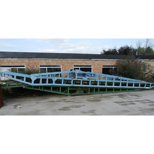 4 - Steel container loading ramp, green...