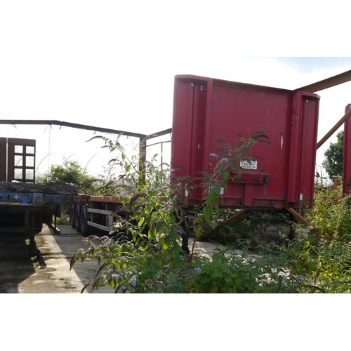8 - SBC tri axle trailer, flat bed, 45ft, disc brakes, Test expiry May 2017....