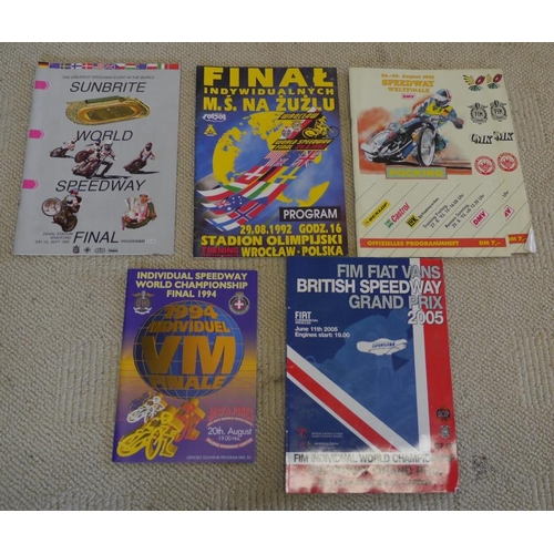 33 - 1990/92/93/94 and 2005 World Speedway Final programmes...