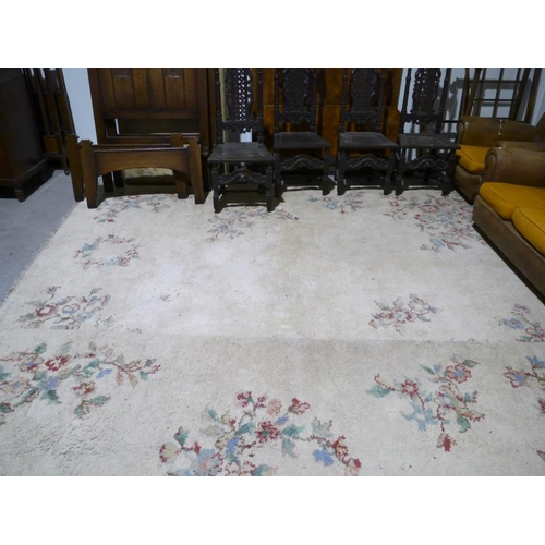57 - Indian style carpet 144x108