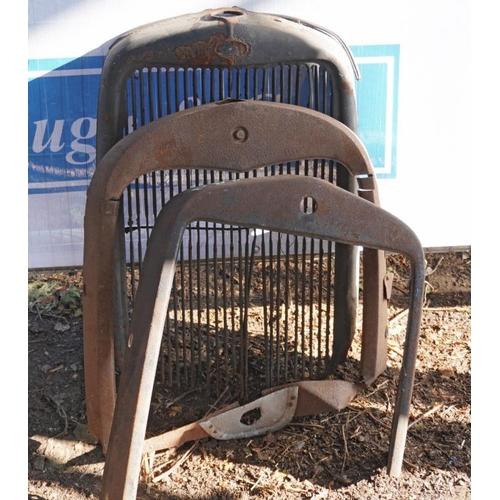 14 - Ford Model A29 front cowls 30's...