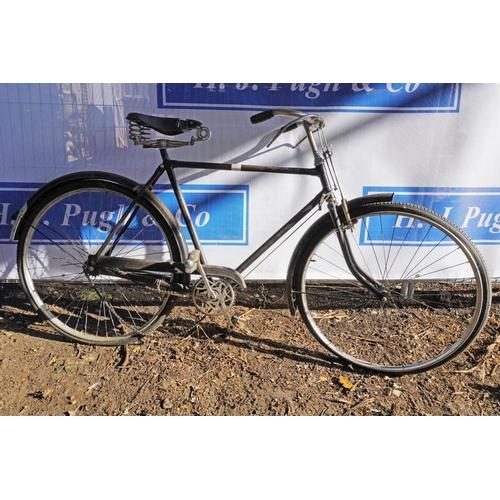 26 - Raleigh gents bike...