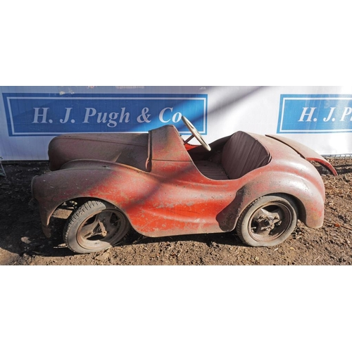 32 - Austin A40 pedal car...
