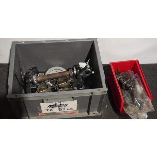 14 - Kawasaki 500 gearbox parts and 1100S carbs and yokes...