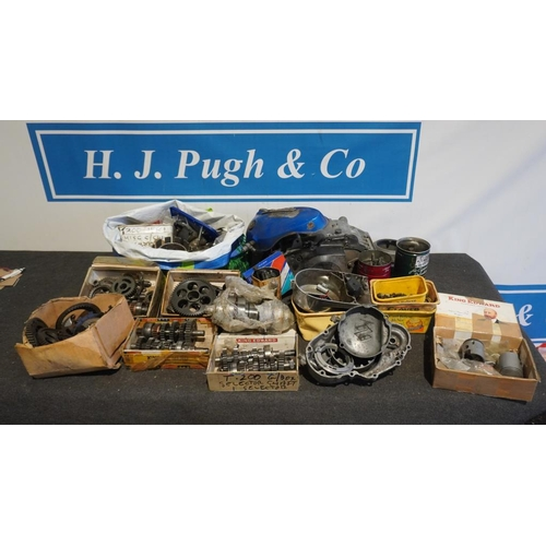 56 - Large quantity of Suzuki T200 and TR200 engine parts including cases, gears and clutch...