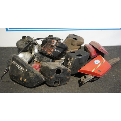 58 - Box of assorted oil tanks and air boxes believed Benneli...