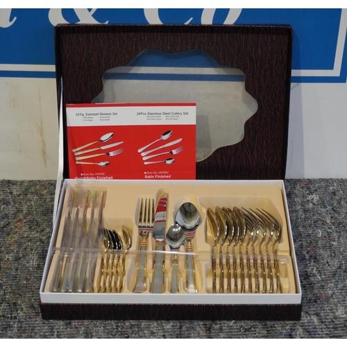 44 - 24Pc Cutlery set...