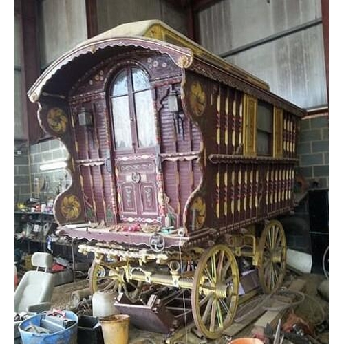 1541 - Chertsey gypsy caravan, barn stored for last 20 years, fully fitted with oven cooking stove...