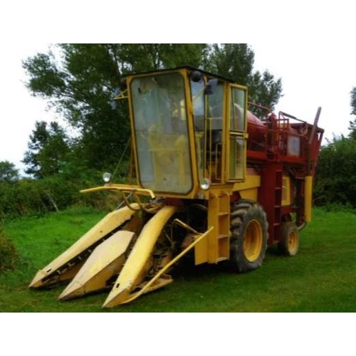 1549 - New Holland Clayson model 1770 self propelled forage harvester fitted with 2 row maize header and ca...