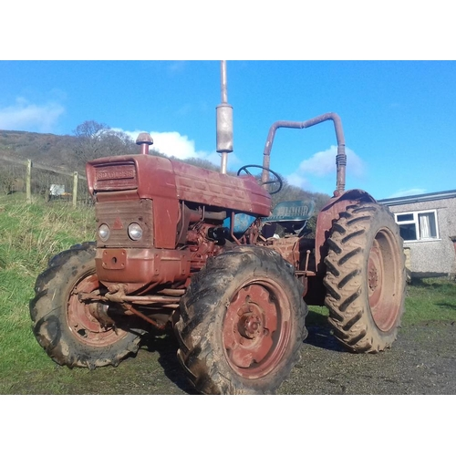 1551 - Ford Roadless 4WD 5000 Select-O-Speed tractor. Barn stored for many years. Replacement block. Origin...