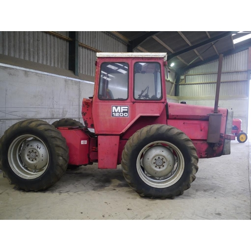 1564 - Massey Ferguson 1200 articulated tractor. Off farm, runs and drives. Fitted with a 540 PTO reduction...