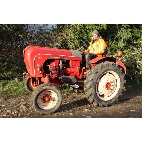 1568 - Porsche 1956 A122 2cylinder tractor. Runs and drives...