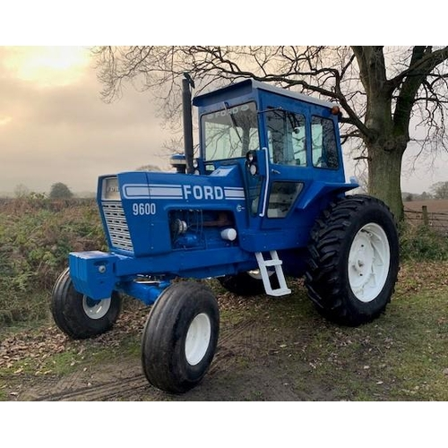 1595 - Ford 9600 tractor. 1975. Repainted. Working classic. All GWO, good tyres...