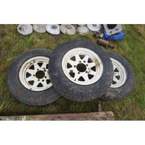 20 - Suzuki 4x4 wheels and tyres...