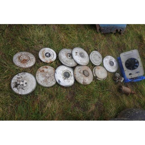 21 - Various hub caps...