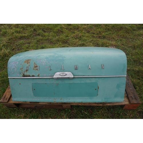 46 - Hillman Minx boot lid...