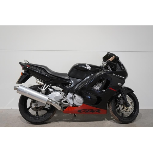 359 - Honda CBR 600R motorcycle. 1999. 600cc. Needs reconditioning but will run. Frame No- JH2PC31A9WM2031...