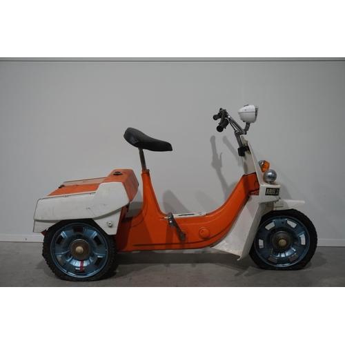 363 - Ariel 3 50cc 3 wheeled moped. One owner. C/w service books. Reg UBH96J. No docs...