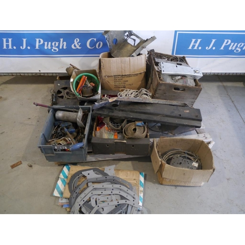 16 - Land Rover electrical components, gaskets, seals & other spares...