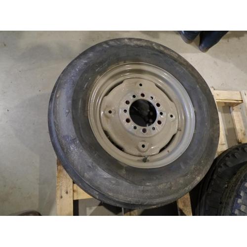 55 - Ferguson wheels & Good Year tyres 16