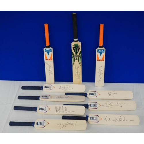10 - 10 Signed mini cricket bats- Middlesex county cricket club to include Angus Fraser, Dawid Malan and ...