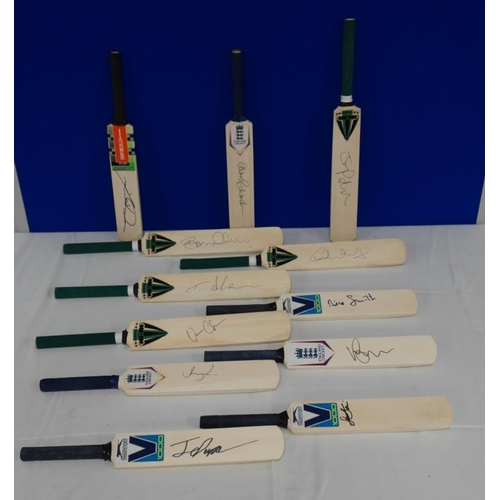 15 - 12 Signed mini cricket bats- Warwickshire county cricket club to include Ian Bell, Brendan McCullum,...