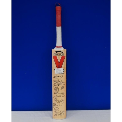 36 - Autographed cricket bat of 2015 Worcester vs Middlesex match signed by Middlesex team including Stua...
