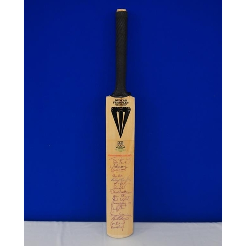 42 - Autographed cricket bat of 1995 Worcestershire cricket team signed by Moody, Hick, Curtis, Radford, ...