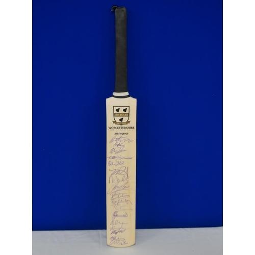 49 - Autographed cricket bat of 2015 Worcester team signed by Mitchell, Whiteley, Senaunayaka etc...