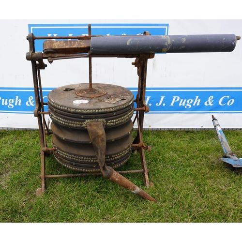15 - Large bellows...