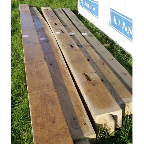 644 - Oak beam, machined 4M 180x130 +VAT...
