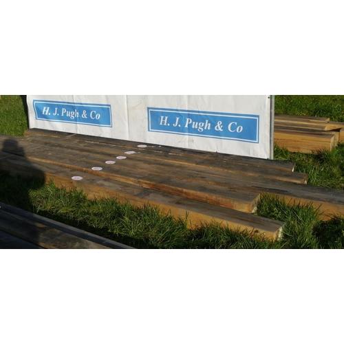 635 - Oak beam 3.45M 180x180 +VAT...