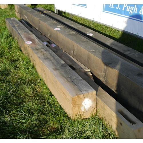 646 - Oak beam 3.45M 200x250 +VAT...