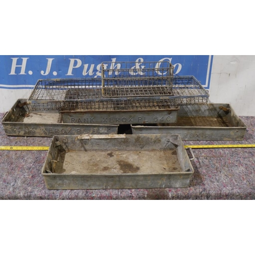 42 - 4 Galvanised trays and 2 other metal trays...
