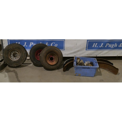 59 - 3 Trailer wheels, mudguards and casters...