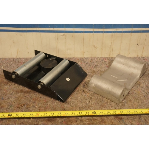 18 - Alloy slider plate and roller plate