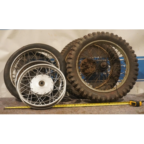 40 - Motorcycle wheels and tyres