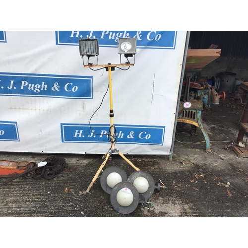 6 - 3 Outdoor light fittings and work lights