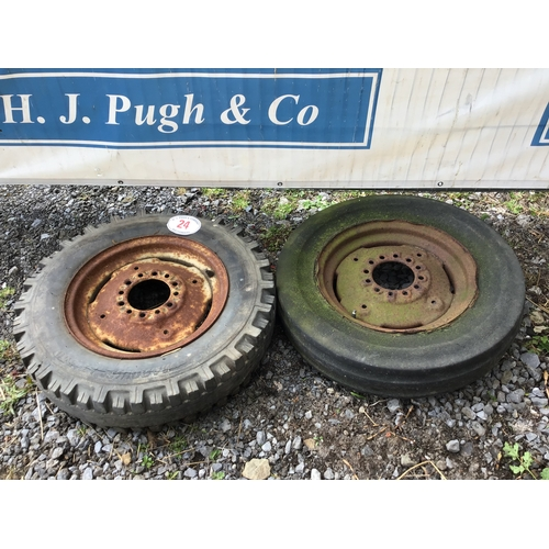 24 - Wheel and tyre 600/16